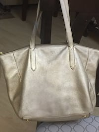 Fossil tote - genuine leather Burnaby, V5C 3T8