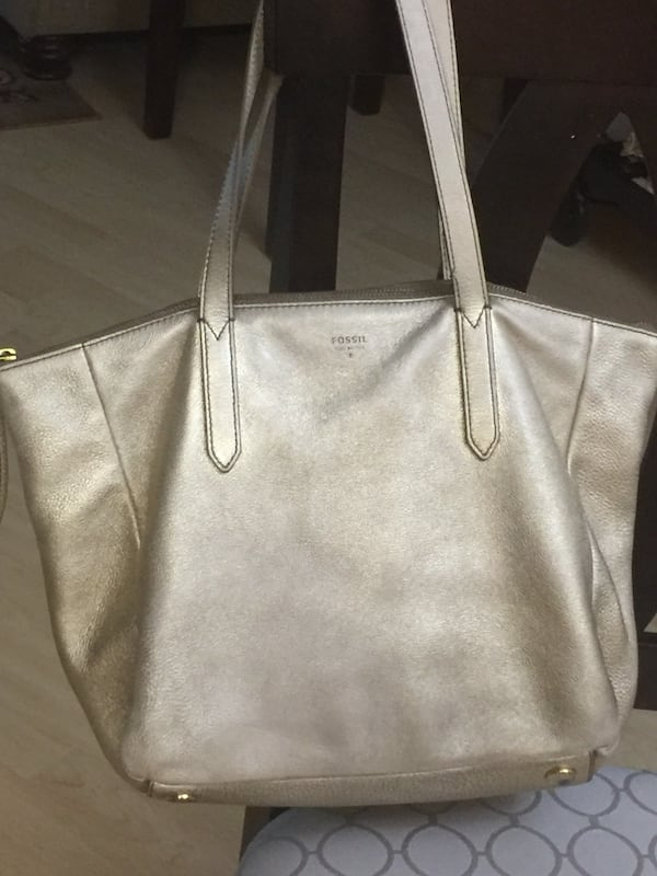 Fossil tote - genuine leather 0