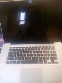 MacBook pro 2010 will trade for a working hp laptop Stockton, 95203