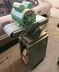 Bench Sander on stand with new motor 3147 km