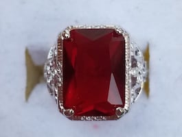 Emerald ruby floral design ring
