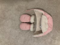 Winter hat and mittens white and pink  12- 24 months   Brampton, L7A 4R9
