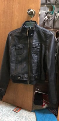 pleater  jacket size m Middletown, 06457