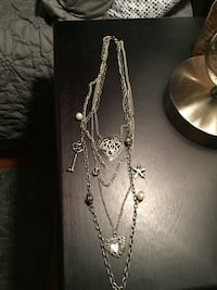 Pretty vintage look necklace, nice accessory ! Milwaukee, 53220