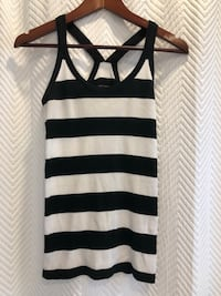 Club Monaco top size small  Aurora, L4G 6R6