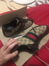 Real Gucci like new size 10 Pointe-Claire, H9R 1E8