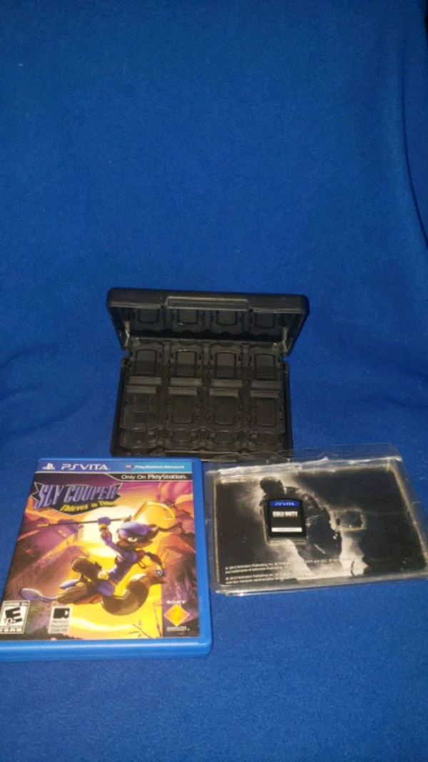 2 PS Vita Games and Game Case