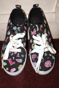 FabKids Shoes  Size 4 (Price Negotiable) Baltimore, 21206