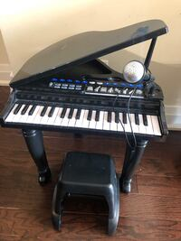 Toy grand piano electric
