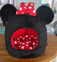 Minnie Mouse pet bed