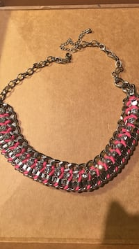 Pink necklace  19 mi