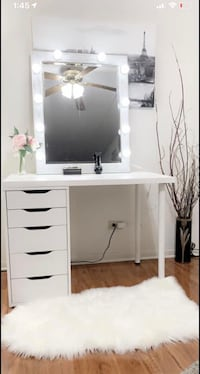 New vanity makeup table 5 deep drawers with large hollywood light mirror all new available delivery Des Plaines, 60016