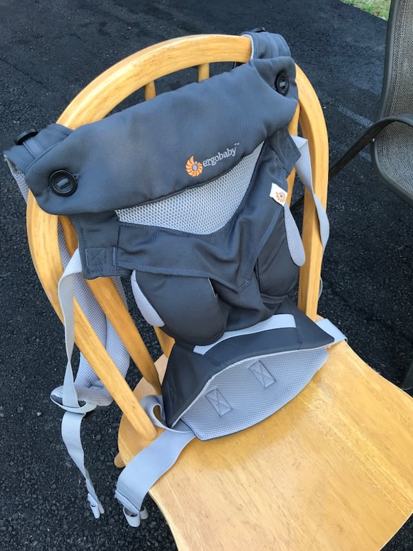 Ergobaby Cool Mesh Baby carrier 2