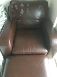 black leather padded rolling chair Vaughan, L4L 0G7