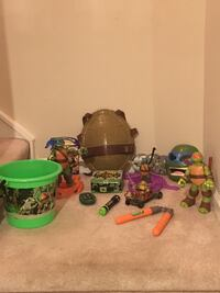 Lot of Teenage Mutant Ninja Turtle Items—Including Wearable Shell and Masks Vienna, 22180