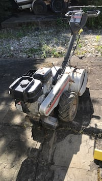 "Rototiller self propelled.  7 hp,  14"" Des Moines, 98198"