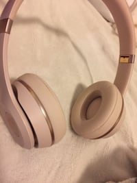 white Beats by Dr. Dre headphones