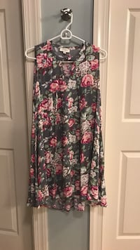 Gray Floral dress size small. Worn once