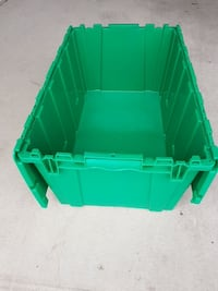 green and white plastic pet carrier Vaughan, L4H 0C9
