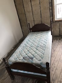 Twin bed and frame Toronto, M5A 0R1