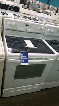 Kenmore glass top electric Stove 30inches!  Manorville, 11949