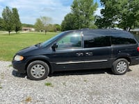 2004 Chrysler Town & Country Limited LWB