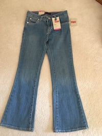 NEW Levi's girl size 6X Calgary, T2Y