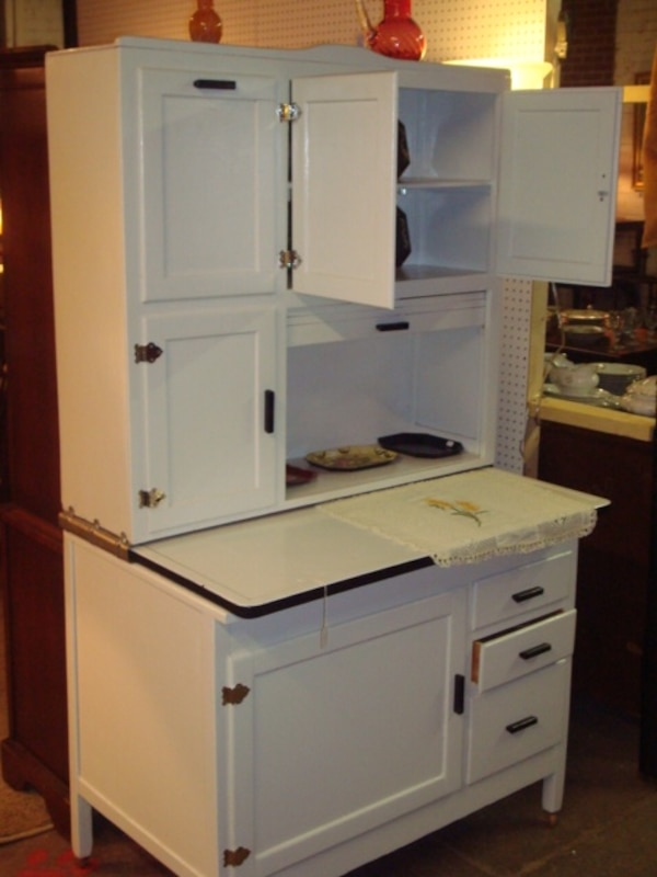 Hoosier Cabinet With Roll Top