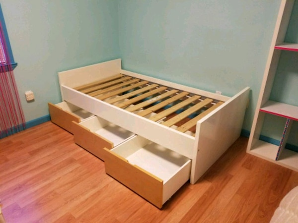Ikea Malm Twin Bed With 3 Storage Drawers