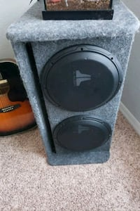 2 JL audio speakers/box