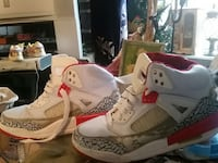 pair of white-red-black-and-gray air jordan 4 Vancouver, V6H