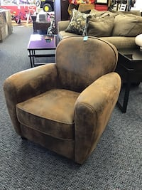 New Williams Club Chair  Virginia Beach, 23462