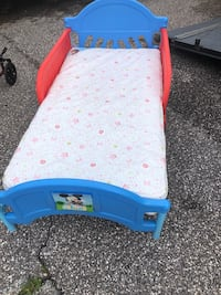 Toddler bed with mattress  Taneytown, 21787