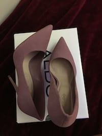 Pair of brown leather platform stilettos in box Toronto, M3H 2T3