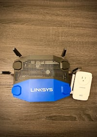 linkys WRT 1900AC gigabit dual band router and RE6700 wifi extender Surrey
