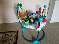 baby's white and blue jumperoo Alexandria, 22312