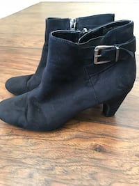 Sam & Libby Black Suede Style Booties Woman's Size 7.5 Visalia, 93291