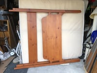 Queen bed frame  Mount Airy, 21771