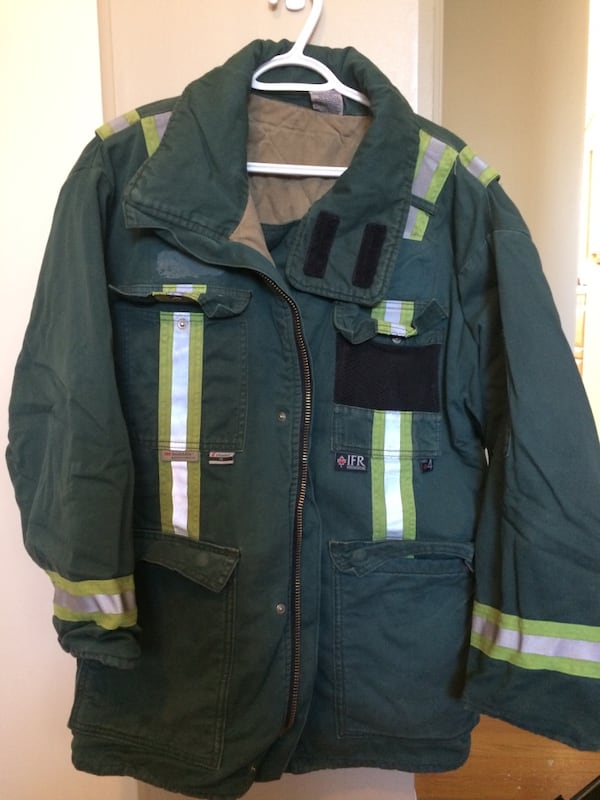 Winter working/industrial parka/jacket -40C. In an excellent condition 313c1737-4a2c-478f-96fb-ed17590e2764
