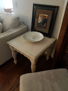 Set of 2 white tables, very sturdy