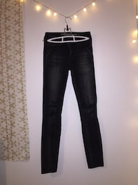 American Eagle Black ripped jeans size 0 Maple Ridge, V4R 0G7
