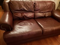 Genuine leather couch West Vancouver, V7T 2E4