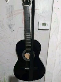 black and brown acoustic guitar Chicago, 60629