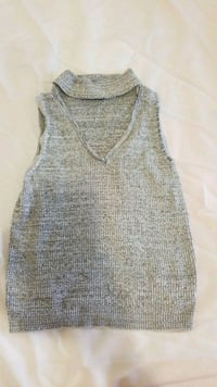gray and white sleeveless top Surrey, V3S 2M9