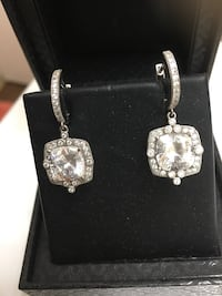 Diamond studded earrings pictures don't do them justice Virginia Beach, 23452