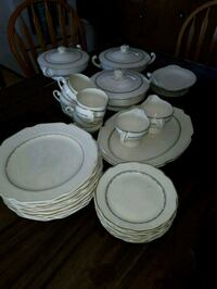 18k gold dishware set Hastings County, K0K