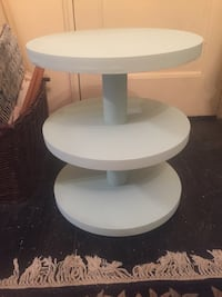 Shabby chic 3 tier table  White Plains, 10603
