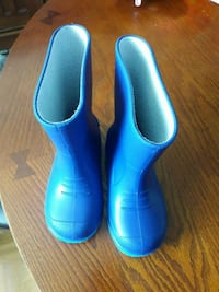 new pair of blue rain boots for toddler/9 Toronto, M9W