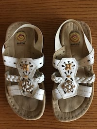 Women's sandals.  Size 6 1/2 Chino, 91710