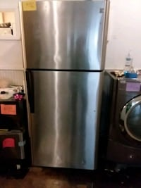 Top and bottom refrigerator excellent condition